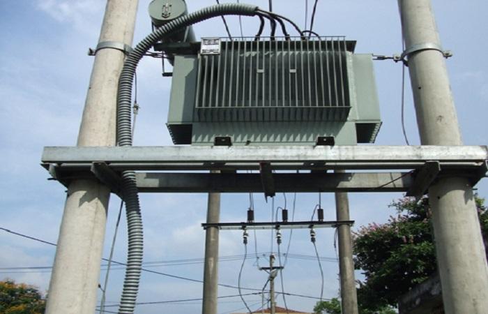 Tránh gần nguồn điện cao thế