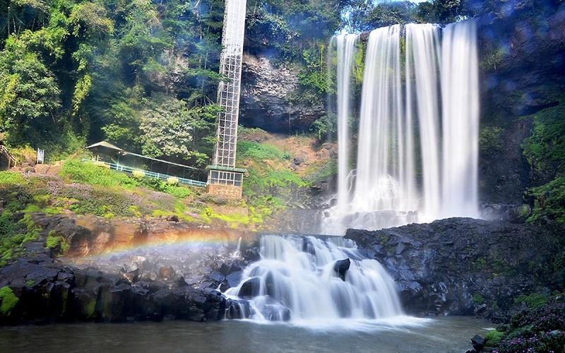 Một thác nước tại Bảo Lộc
